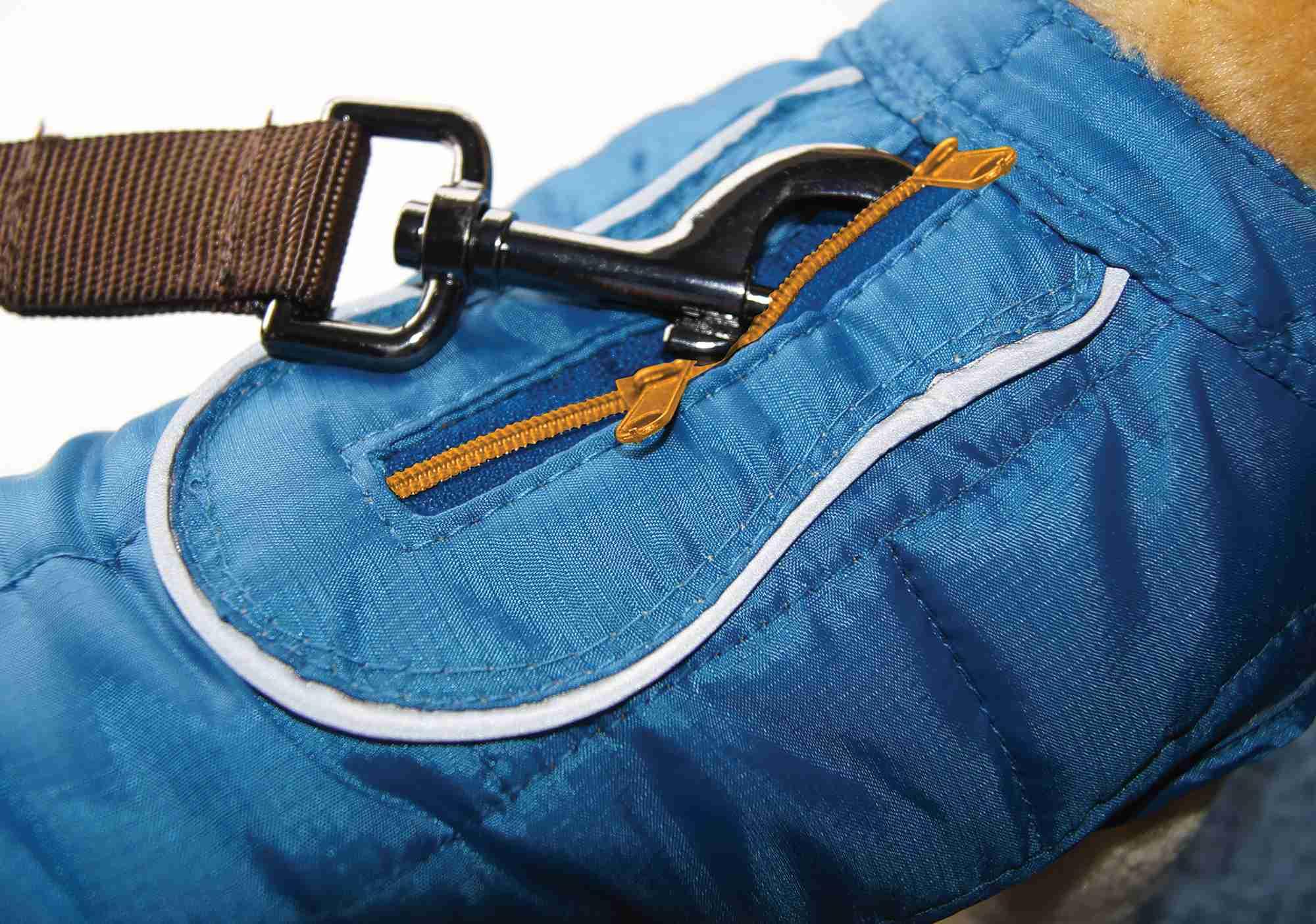 Dog winter coat - Kurgo Loft Dog Coat opens to hook leash to harness or collar