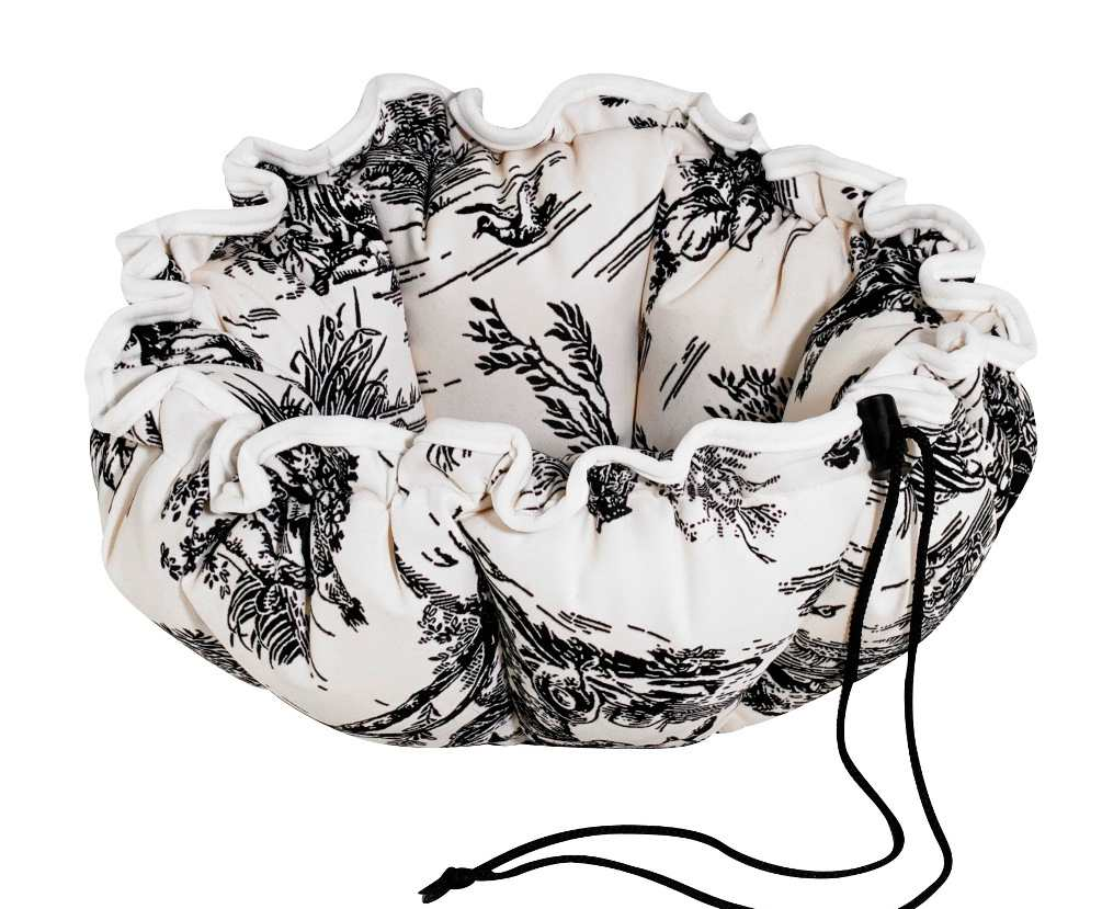 Small Dog or Cat Bed - Buttercup - Onyx Toile