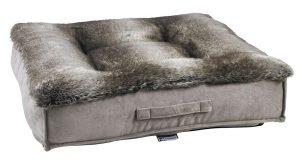 Best Dog Beds for Senior Dogs - Piazza - Chinchilla Faux Fur