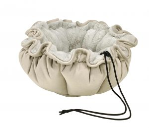 Small Dog or Cat Bed - Buttercup - Cloud