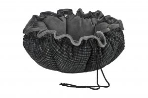 Small Dog or Cat Bed - Buttercup - Iron Mountain